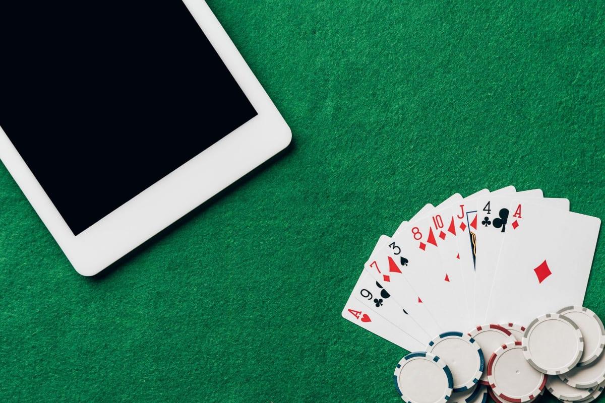1xBet mobile poker
